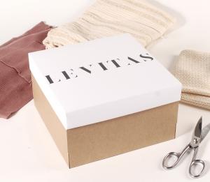 Caja para ropa o sombreros