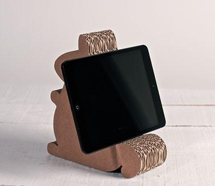 Cardboard iPad stand - Cardboard squirrel
