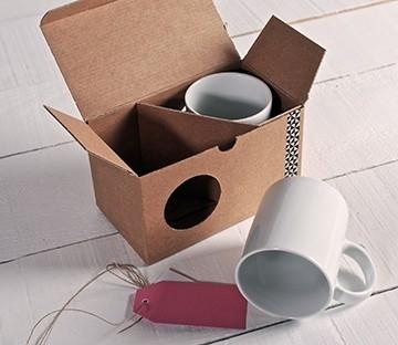 Caja con ventana para tazas