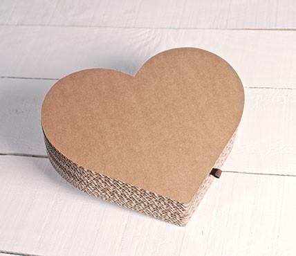 Herz aus Karton