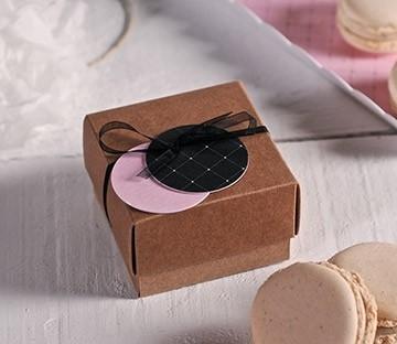 Caja pequeña con tapa para macarons