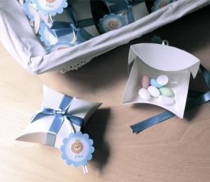 Caja para bautizo con lazo de raso azul