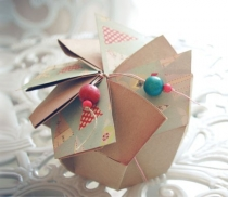 Originale scatola regalo con pieghe