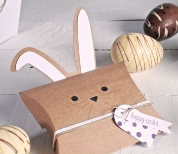 Caja con orejas de conejo