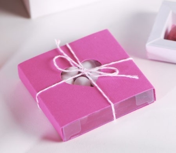 Caja rosa con corazón