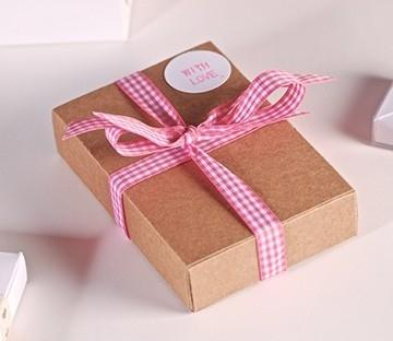 Cajas rectangulares con faja