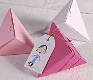 Cajas piramidales para regalo