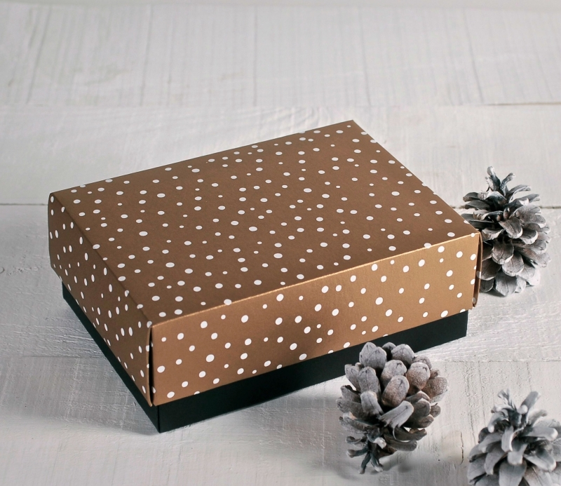 Christmas gift box with lid - SelfPackaging