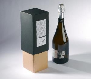 Elegante caja para botella en dos colores