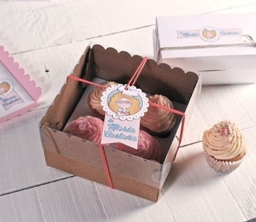 Tall cupcake box for 4 cakes