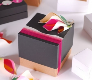 Cube-shaped gift box with paper flowers
