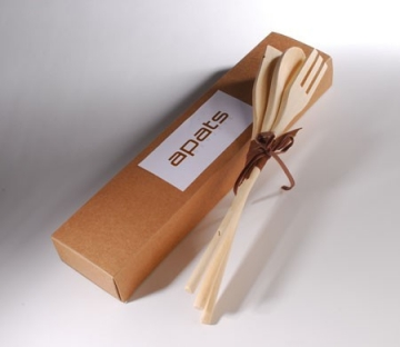 Elongated box for promotional gifts