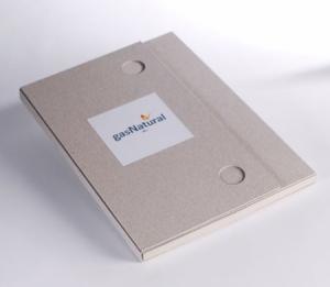 Carpeta de cartón para memorias de empresa