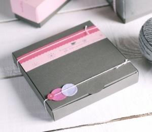 Caja gris para galletas decoradas