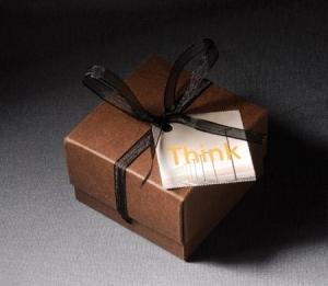 Cajita cuadrada con lacito para chocolates