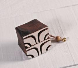 """Timbro """"geometrico 1"""" in legno"""