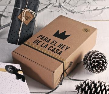 Caja de envío con decoración de vinilo