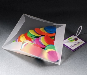 Little triangular box for children's parties