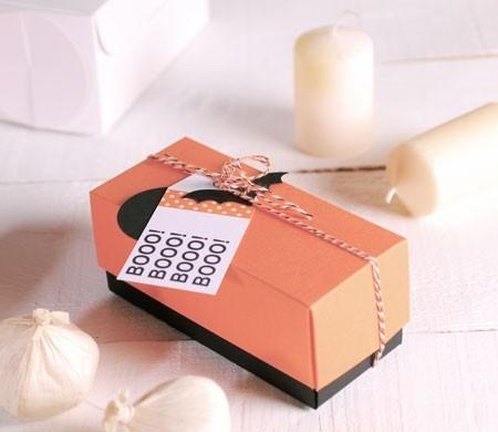 Rectangular gift box with Halloween decoration