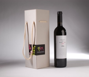Rectangular gift box for a bottle