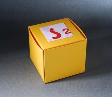 Cajita cuadrada para regalos de empresa