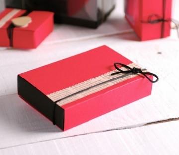 Caja de cartón para caramelos