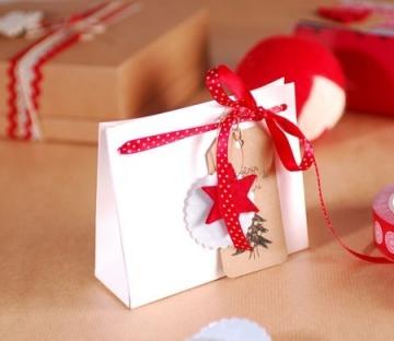 Cardboard bag for Christmas gifts