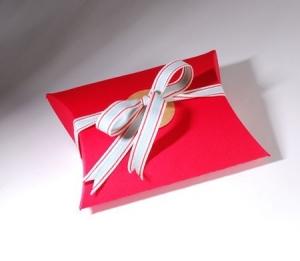 Caja petaca decorada con cinta