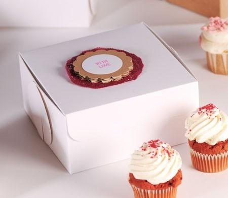 Dekorierte Box für 4 Cupcakes