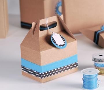 Picknick-Schachtel dekoriert für ein Geschenk