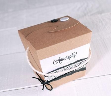 Originale scatola per abbigliamento e accessori