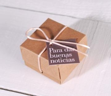 Caja con lazo para detalles de boda
