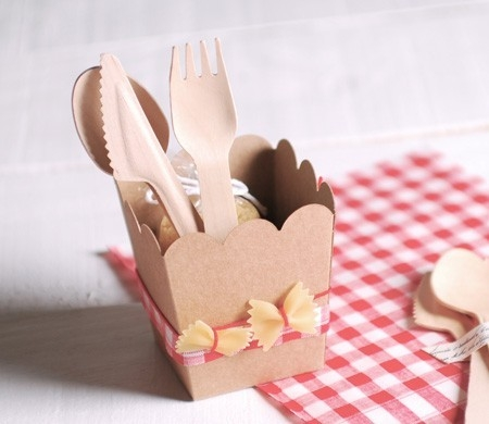 Caja decorada con pasta