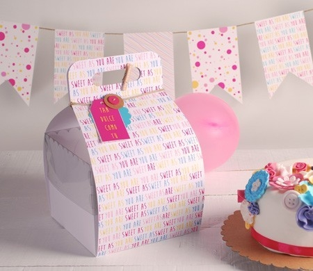 Printed box with handle for cakes
