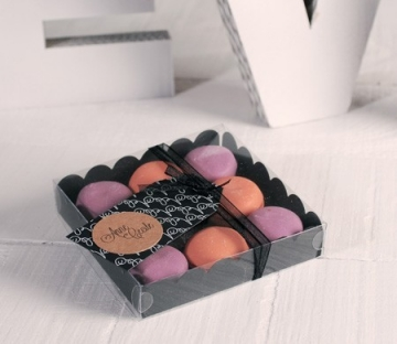 Little black box for macarons