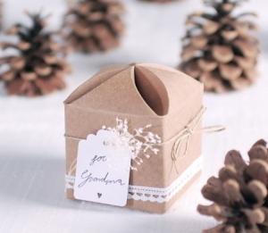 Originale scatola regalo con cordino
