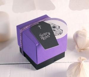 Caja con compartimentos para caramelos