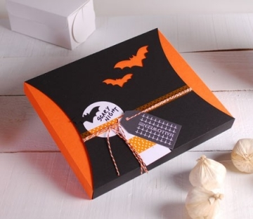 Gift box with sleeve for Halloween