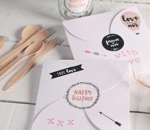 Scatola per inviti decorata per San Valentino