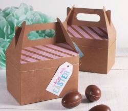Scatola picnic decorata per Pasqua