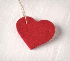 Colgante corazón fieltro