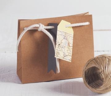 Bolsita para regalos con decoración