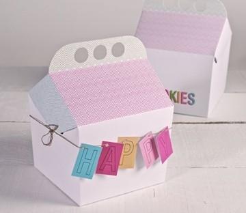 Caja de cartón con asa