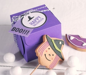 Box for a cupcake for Halloween