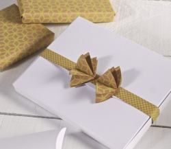 Photo box with bow decoration