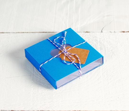 Kit di 4 scatole colorate con fascia e accessori