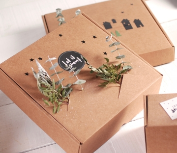 Caja para envíos navideña