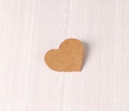 Cardboard Hearts 10 ut.