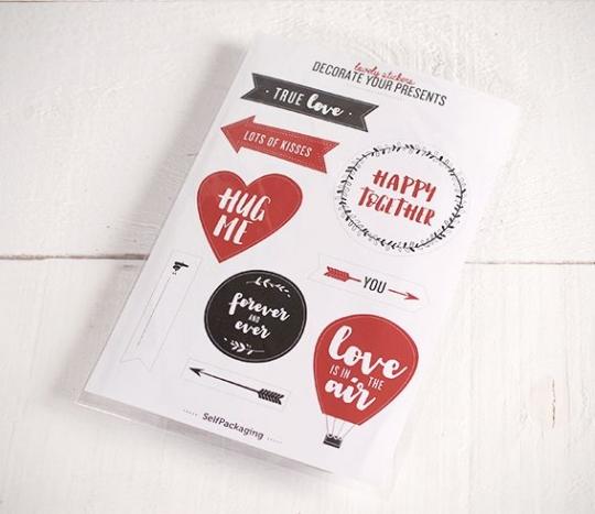 Adesivi con messaggi per i regali