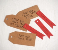 Red and Kraft coloured labels with messages